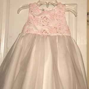 BRAND NEW ABSOLUTELY BEAUTIFUL PALE PINK DRESS